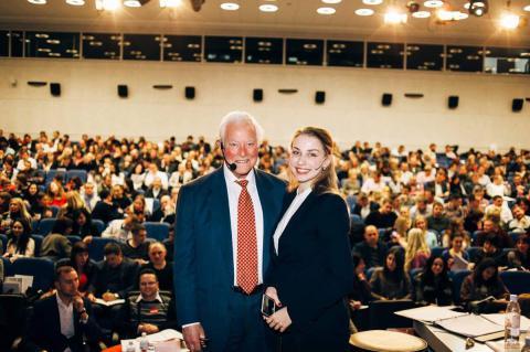 Татьяна Маркова и Брайн Трейси на конференции в Новосибирске